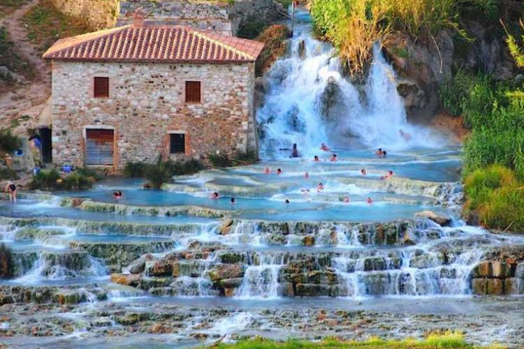 Terme di Saturnia and the best natural spas worldwide